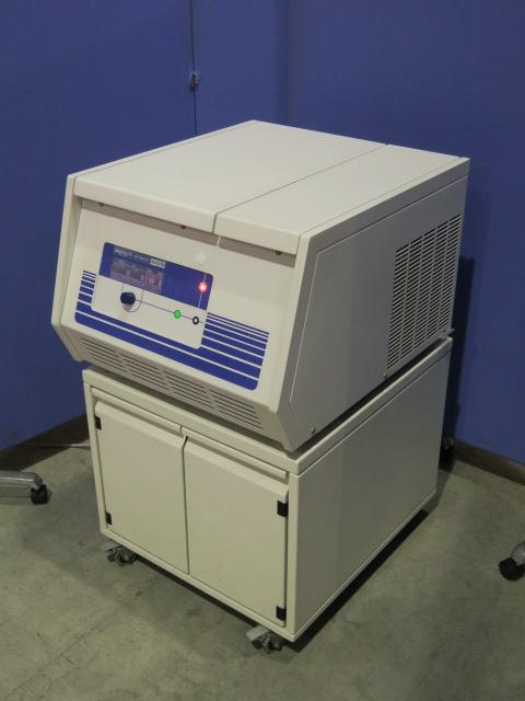 久保田商事 テーブルトップ高速冷却遠心機 3K30C