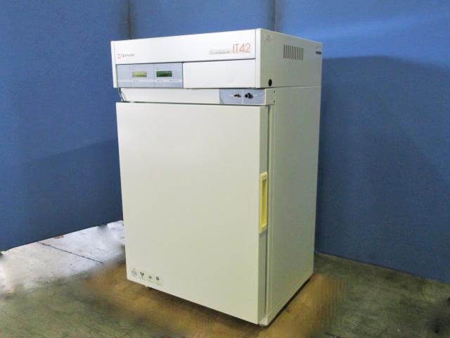ヤマト科学 CO2インキュベーター IT-42