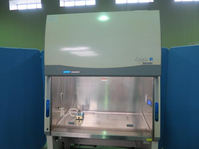 安全キャビネット バイオハザードクラス2 細菌検査用