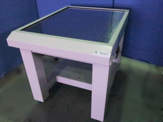 特許機器 デスク型除振台 DLS-680L3T3
