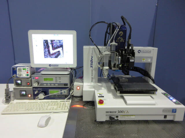 武蔵エンジニアリング PC制御画像認識付卓上塗布ロボット IMAGE MASTER 350PC