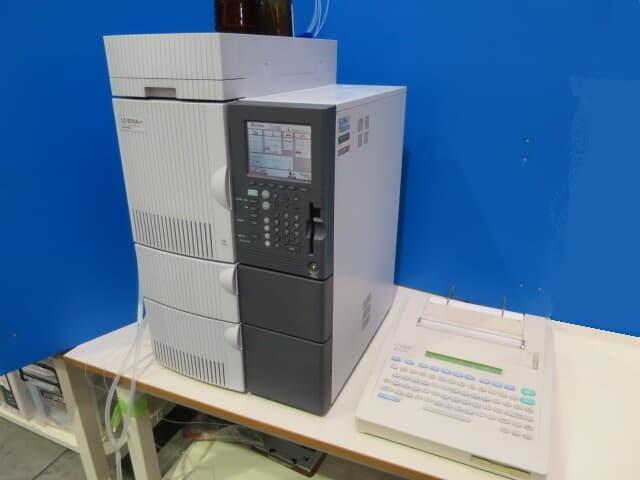 中古 島津製作所 液体クロマトグラフ LC-2010AHT
